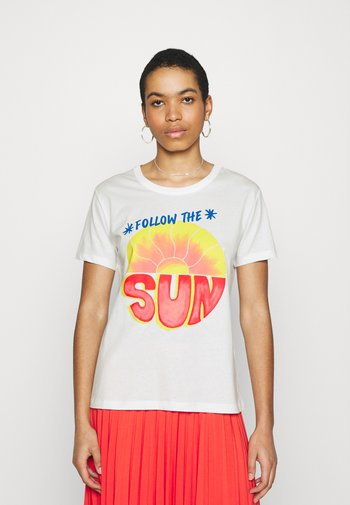 FOLLOW THE SUN  - T-shirts med print - off white