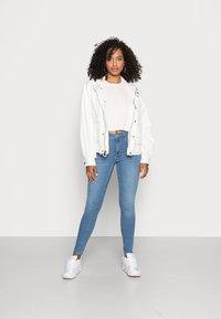 Gina Tricot - HIGHWAIST - Jeans Skinny Fit - midblue - 1