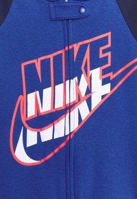 Nike Sportswear - FULL ZIP FOOTED COVERALLS - Kruippakje - game royal - 2