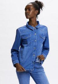 Denim Hunter - Button-down blouse - light blue/ blue wash - 0