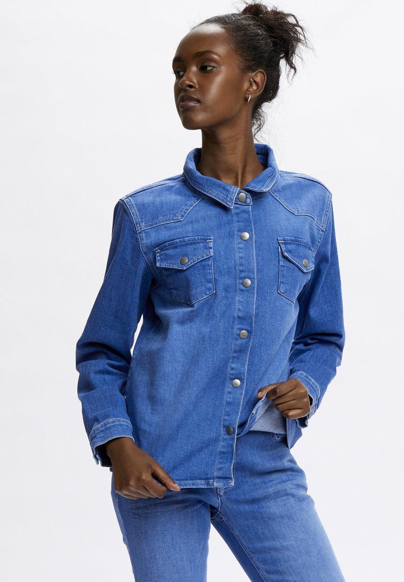 Denim Hunter - Button-down blouse - light blue/ blue wash