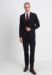Lindbergh - PLAIN SUIT  - Puku - navy - 2