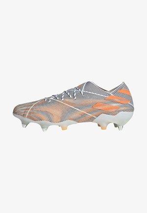 Voetbalschoenen met metalen noppen - white
