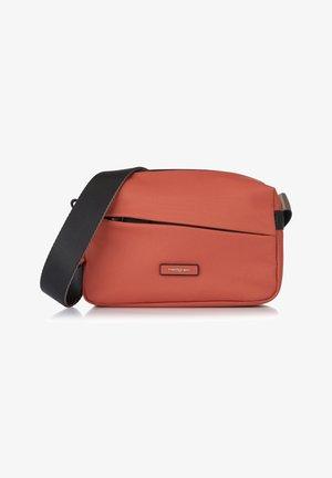 NOVA NEUTRON - Across body bag - mars red