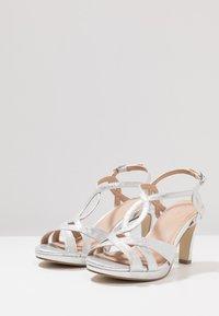Menbur - Sandaler med høye hæler - silver - 4
