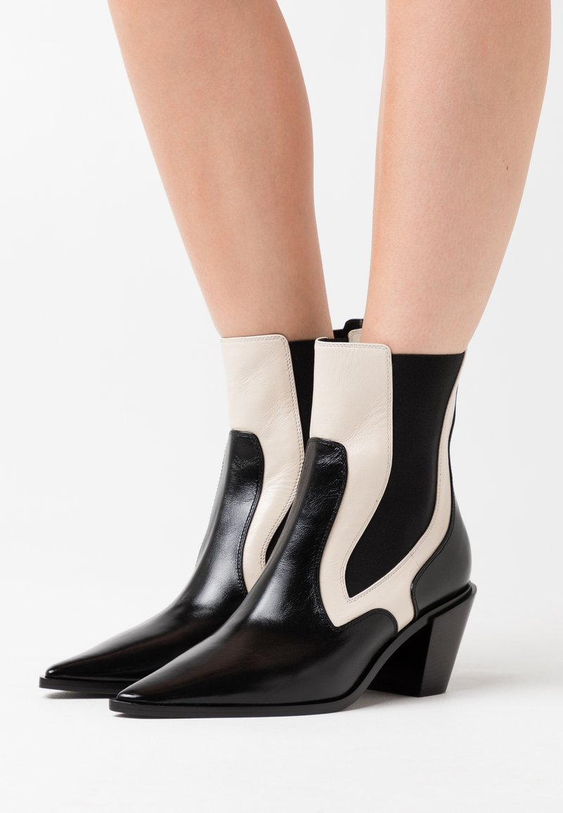 Casadei - Cowboy/biker ankle boot - sense nero/offwhite