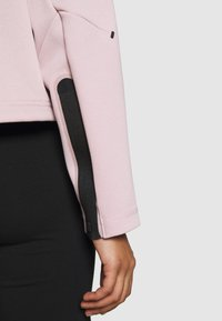 Nike Sportswear - CREW - Felpa - champagne/black - 6