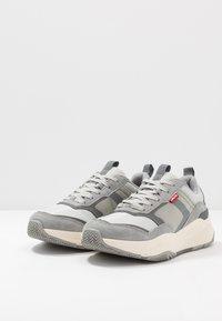 Levi's® - EASTMAN - Sneakers - regular grey - 2