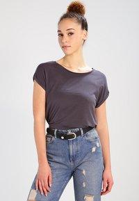Vero Moda - VMAVA PLAIN - T-shirt basic - asphalt - 0
