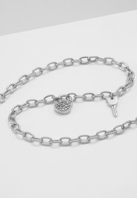 KARL LAGERFELD - SMALL CHOUPETTE LOCK KEY  - Necklace - silver-coloured - 5