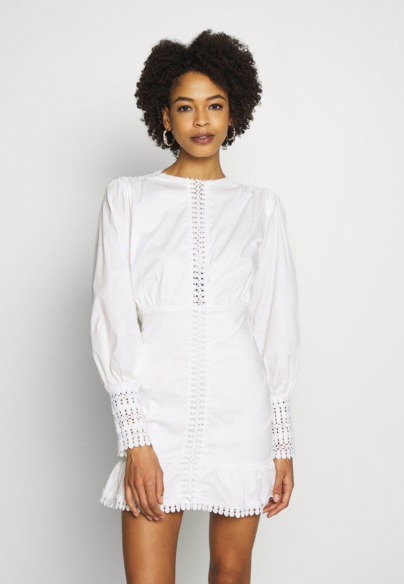 Trendyol - BEYAZ - Kjole - white