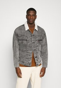 Levi's® - MODERN TYPE 2 TRUCKER - Cowboyjakker - grey denim - 0