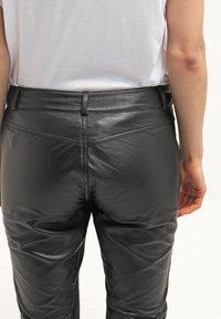 Gestuz - ADA - Leather trousers - black - 5