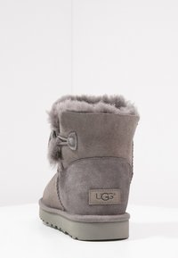 UGG - BAILEY - Støvletter - grey - 3