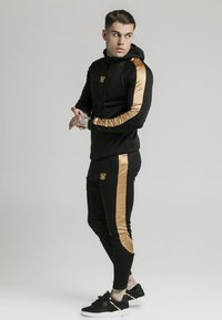 SIKSILK - SCOPE PANEL  - Tracksuit bottoms - black/gold - 1