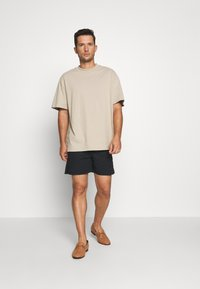 Solid - GUBI ELASTIC - Shorts - black