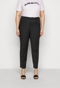 Vero Moda Curve - VMVICTORIA ANTIFIT ANKLE PANTS - Trousers - black - 0