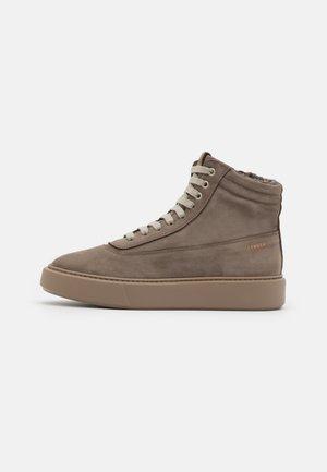 Sneakersy wysokie - taupe
