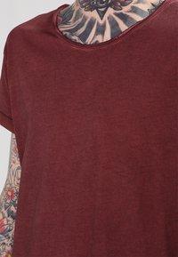 Tigha - MILO - T-shirt - bas - vintage rust red - 3