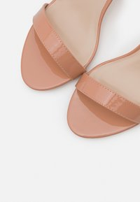 Glamorous Wide Fit - Sandály - nude - 5