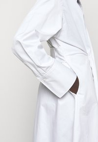 AKNVAS - SOPHIE - Robe chemise - white - 3