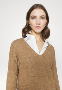 Pieces - PCPERLA - Jumper - toasted coconut - 3