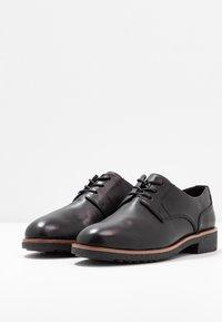 Clarks - GRIFFIN LANE - Zapatos de vestir - black - 4