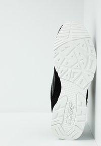 Hi-Tec - SHADOW - Chaussures d'entraînement et de fitness - black/cool grey - 4