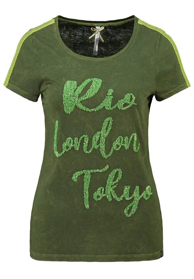 WT CAPITAL ROUND - Print T-shirt - green