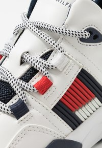 Tommy Hilfiger - High-top trainers - white - 5