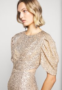 Three Floor - EXCLUSIVE SEQUIN GOWN - Occasion wear - gold - 4