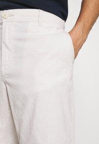 Selected Homme - SLHISAC - Shorts - rainy day - 3