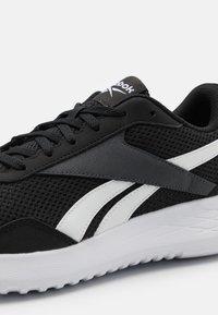 Reebok - ENERGEN LITE - Obuwie do biegania treningowe - core black/footwear white/cold grey - 5