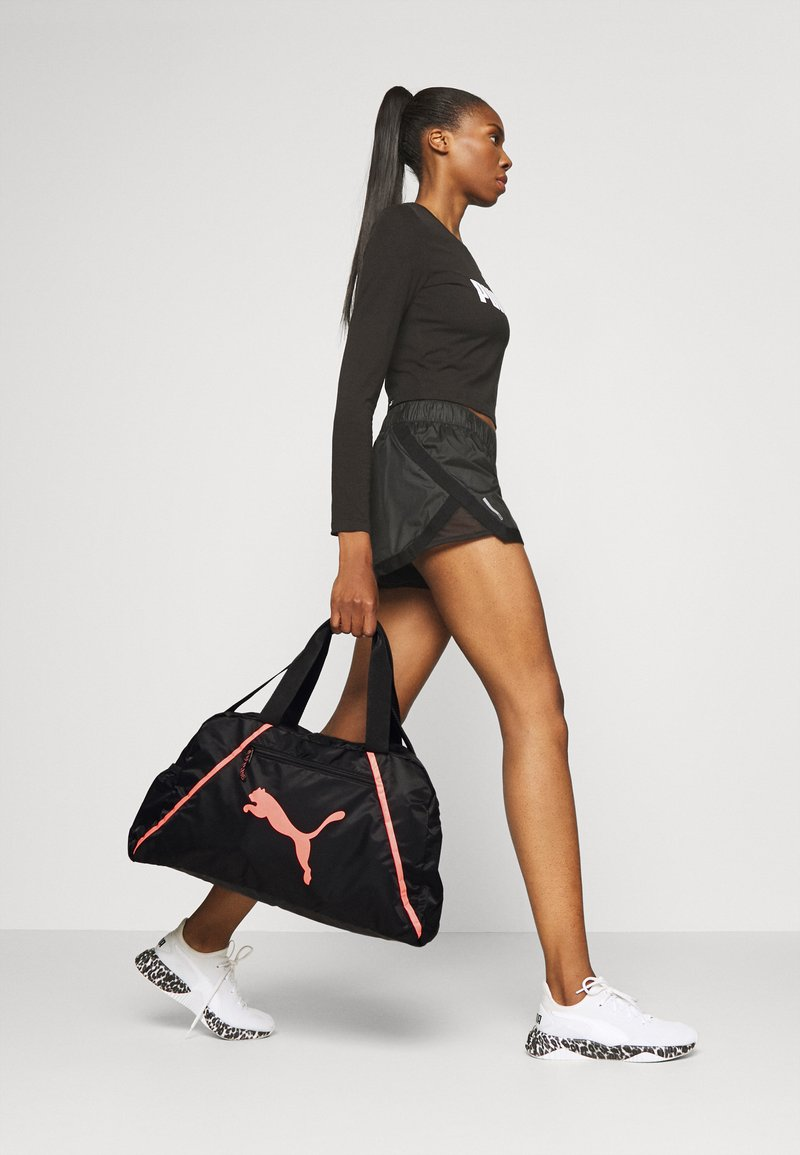 Puma - GRIP BAG PEARL - Bolsa de deporte - black/peach