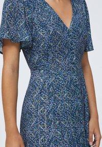 OYSHO - LONG LILAC FLORAL - Korte jurk - dark blue - 3