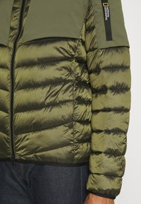 National Geographic - HOODED JACKET WITH FILLER - Jas - moss - 6