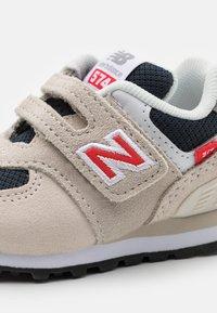New Balance - IV574SJ2 - Zapatillas - beige - 5