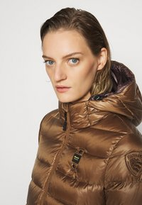 Blauer - IMPERMEABILE LUNGHI IMBOTTITO - Down coat - dark beige - 3