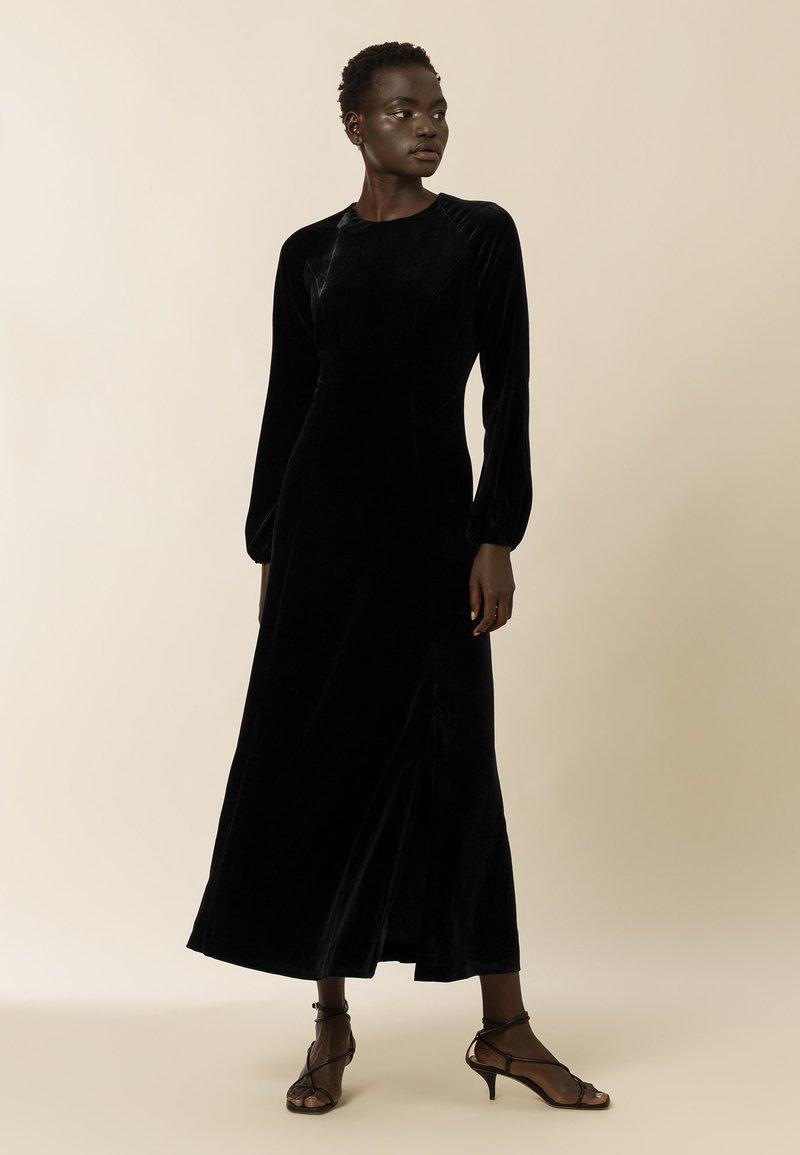 IVY & OAK - AUCUBA - Suknia balowa - black