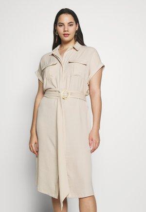 RUMPLE BELTED DRESS - Blusenkleid - beige