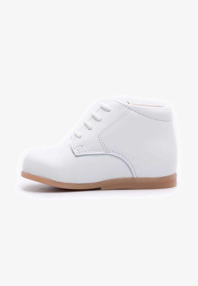 Chaussures premiers pas - blanche