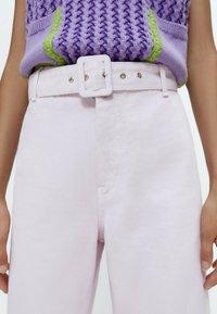Uterqüe - Flared Jeans - pink - 4
