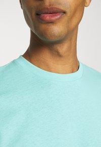 9N1M SENSE - PUFFER FISH - Print T-shirt - aruba blue - 4