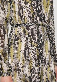 Vila - VIJEMO MIDI DRESS - Day dress - birch/kallia - 6