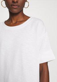 Esprit - BOXY TEE - Basic T-shirt - off white - 6