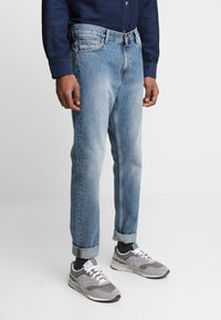 Weekday - SUNDAY CHELSEA - Relaxed fit jeans - blue - 0