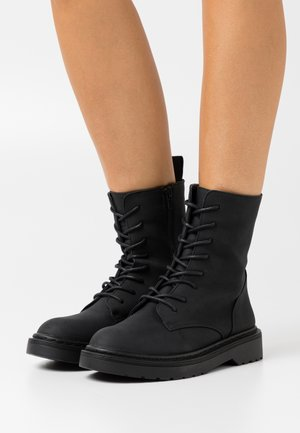 FREDA LACE UP BOOT - Snørestøvletter - black