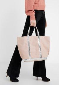 Vanessa Bruno - CABAS MOYEN - Shopping Bag - rose/argent - 1