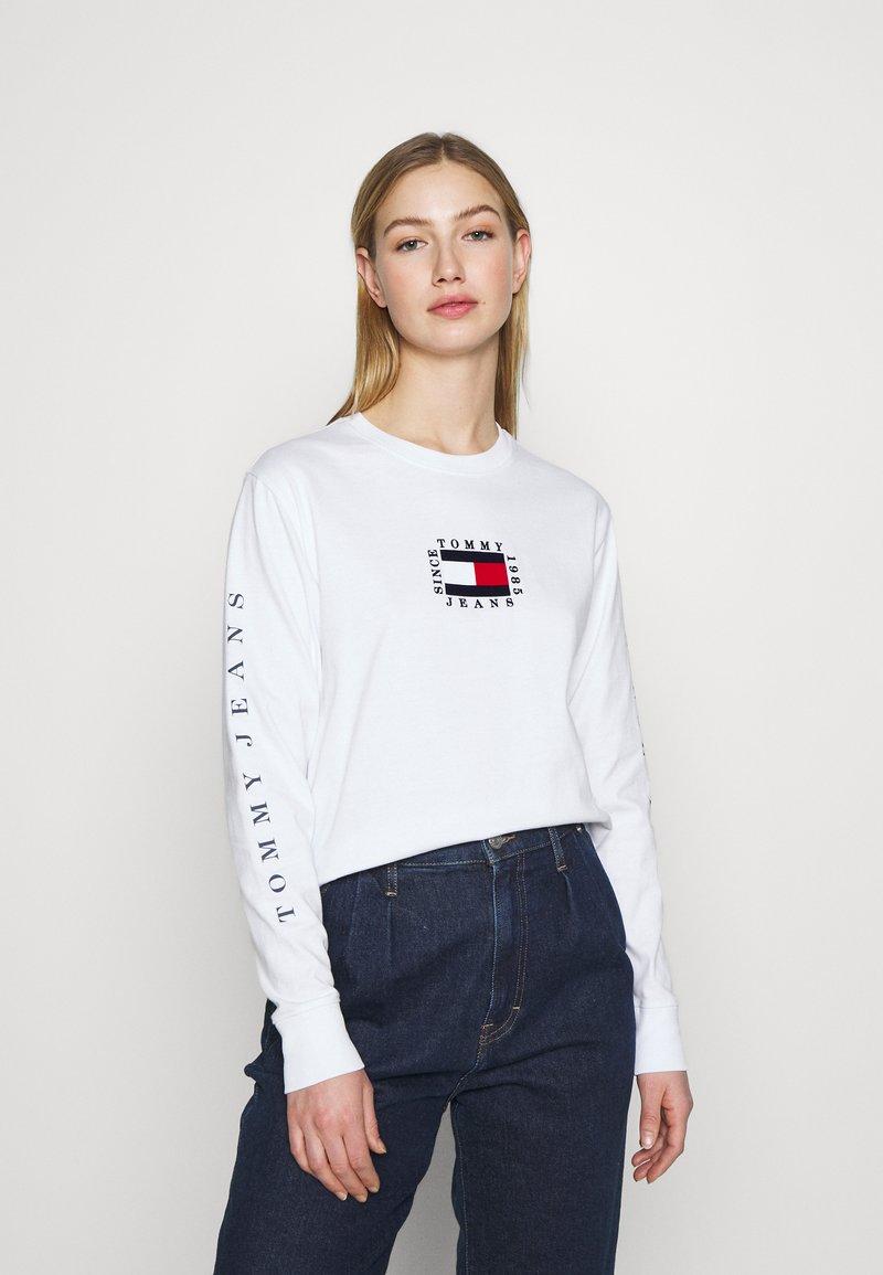 Tommy Jeans - FLAG  - Långärmad tröja - white