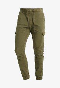 INDICODE JEANS - LEVI - Pantaloni cargo - army - 5